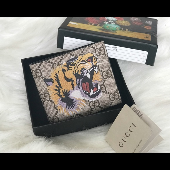 6876e973ce9d Gucci Accessories | Tiger Print Gg Supreme Wallet | Poshmark